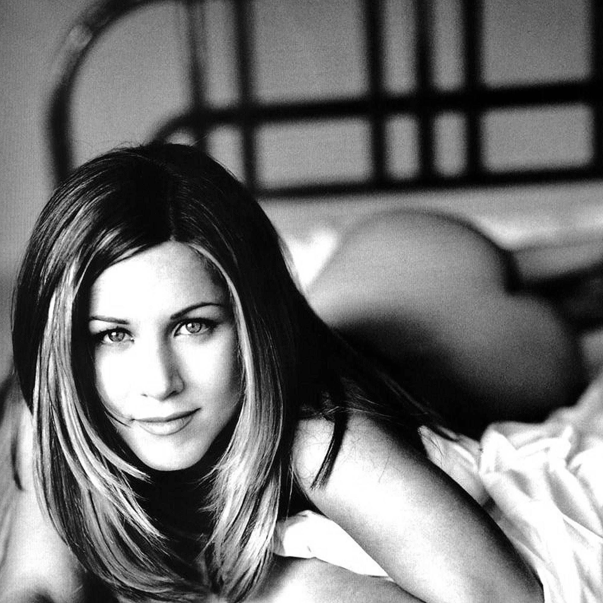 How to get jennifer aniston's sexy tan