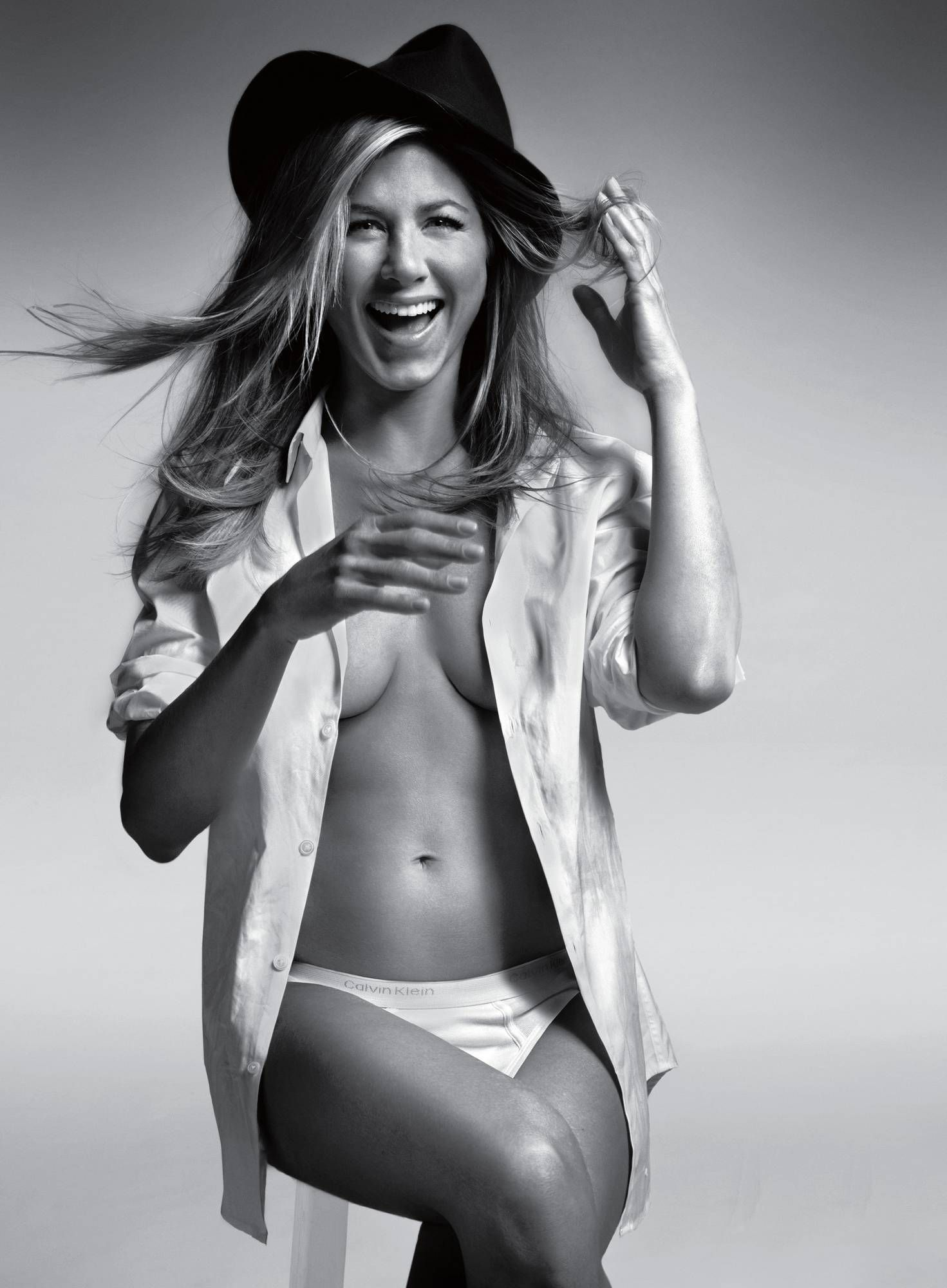 Jennifer Aniston To Go Topless On Screen