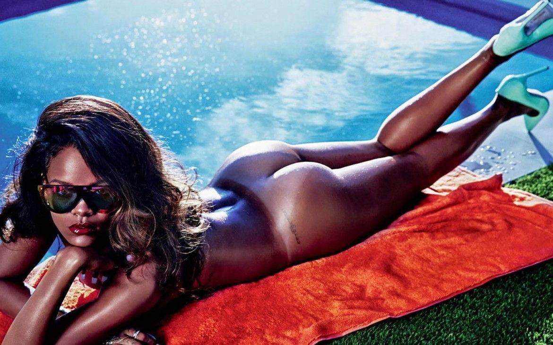 Rihanna on a bed fully naked