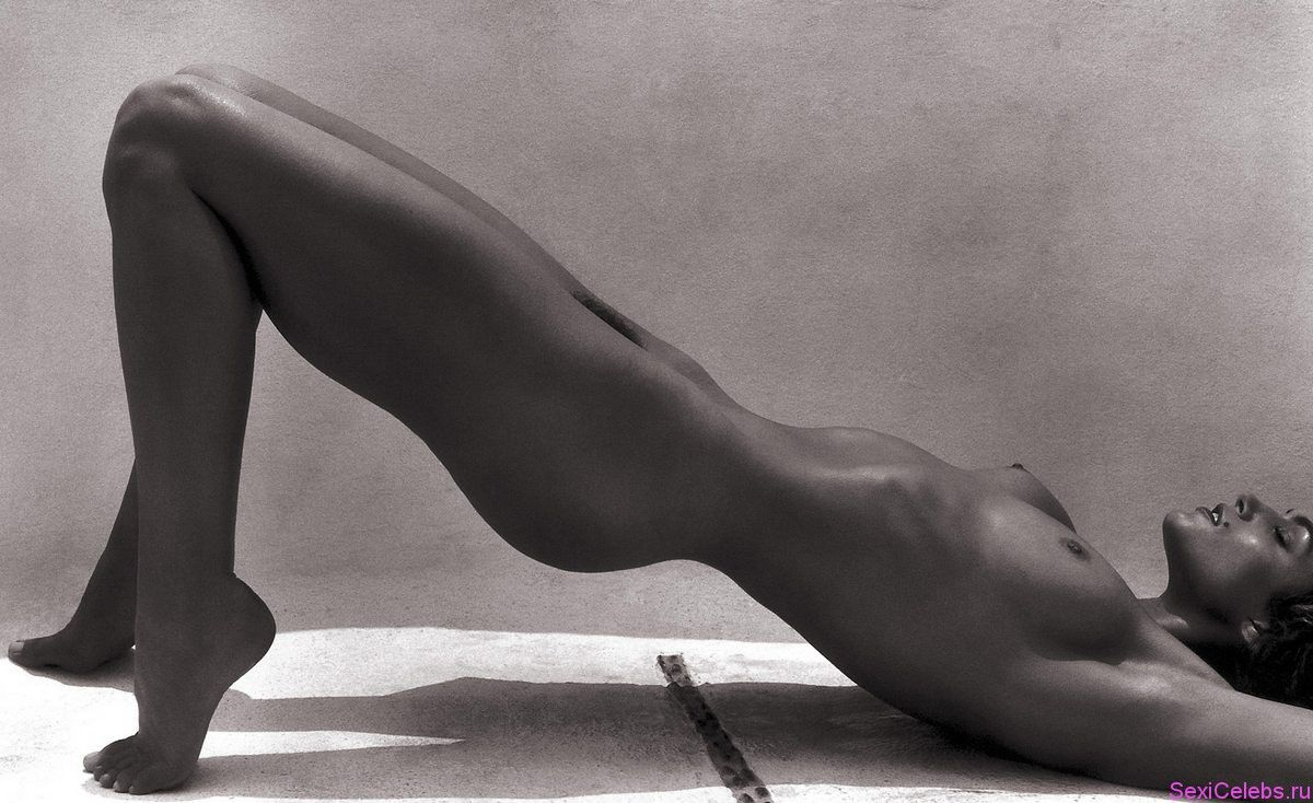 Cindy Crawford Nude Images