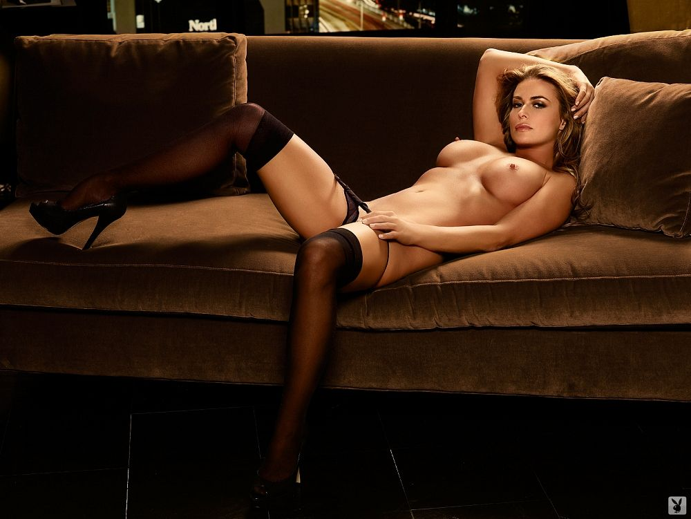 Carmen Electra Totally Naked Playboy Pics And More