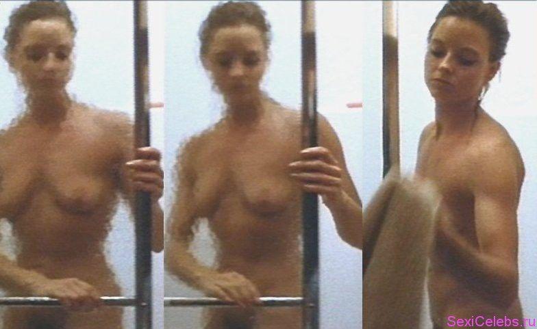 Has jodie foster ever been nude