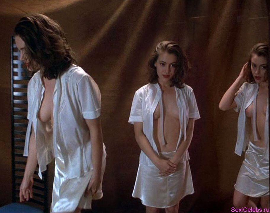 Alyssa milano in really hot nude scene