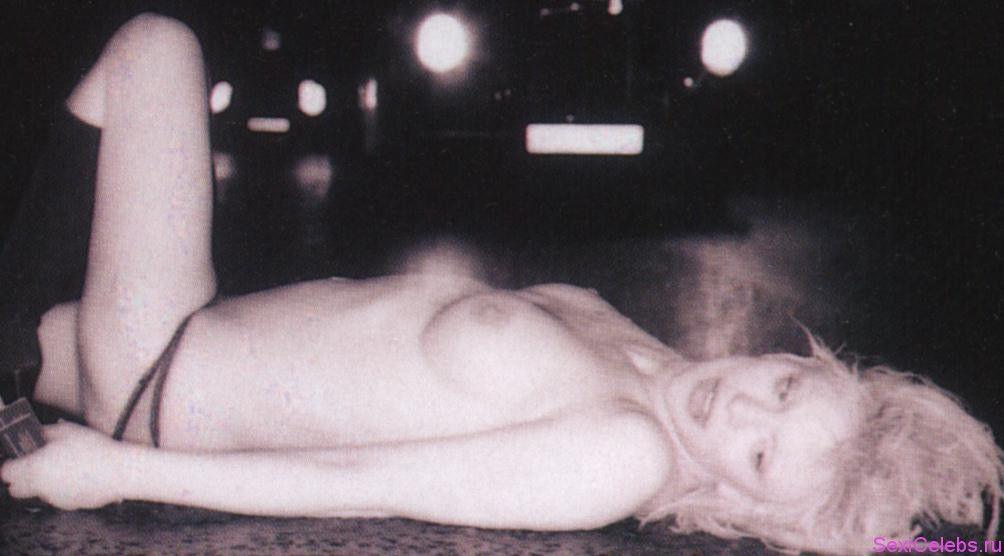 Courtney Love Nude Photos