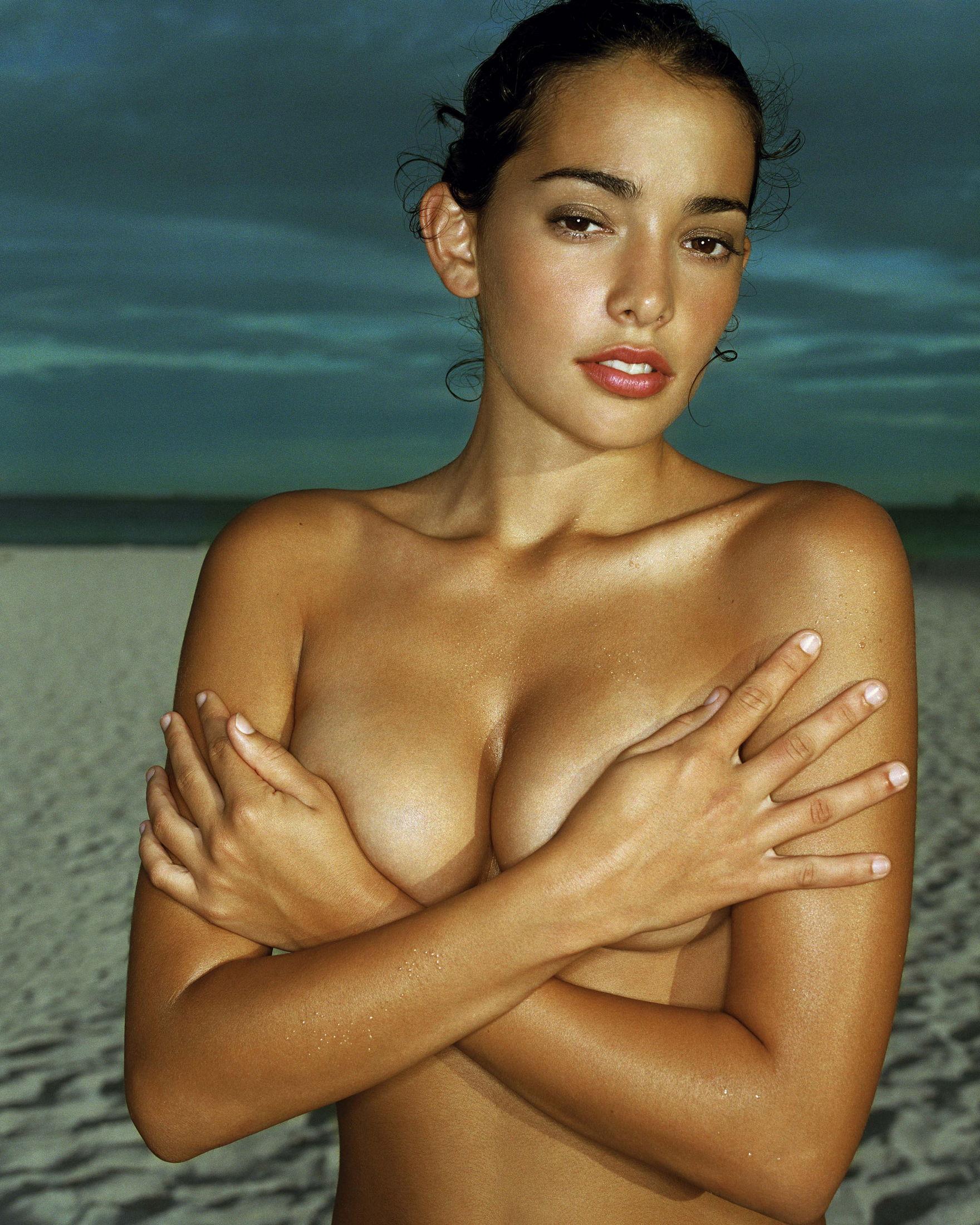 Wallpaper brunette erotic girl ass naked natalie suliman tan wet